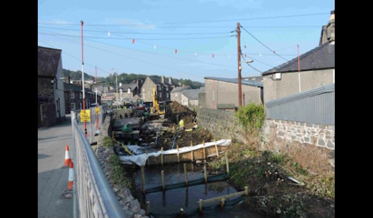 Flood defences being improved at Dolgellau