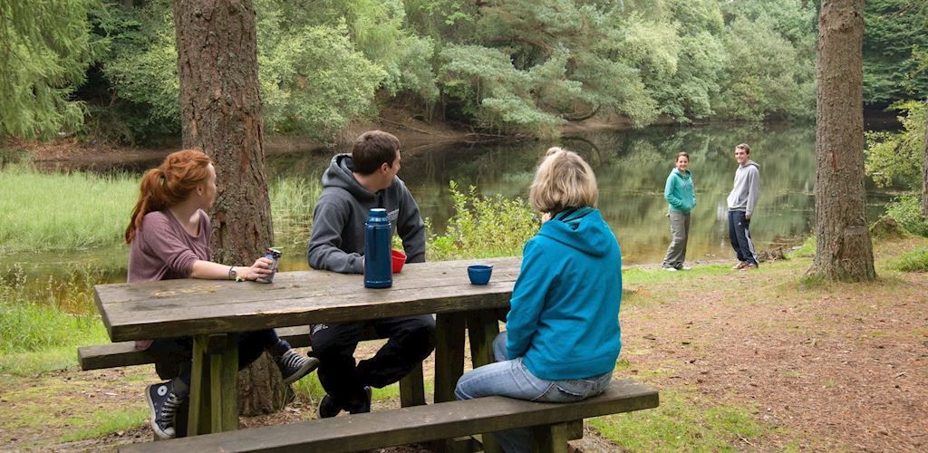 Family at Bod Petryal lake