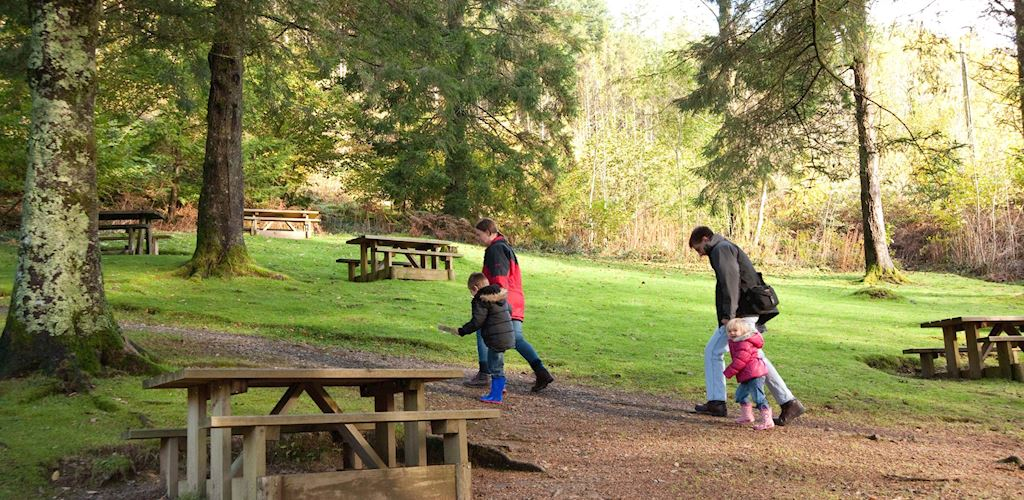 Family setting off for a walk at Tan y Coed