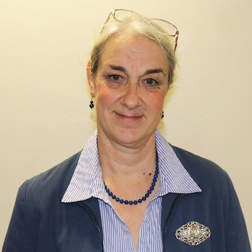 Dr Rosie Plummer