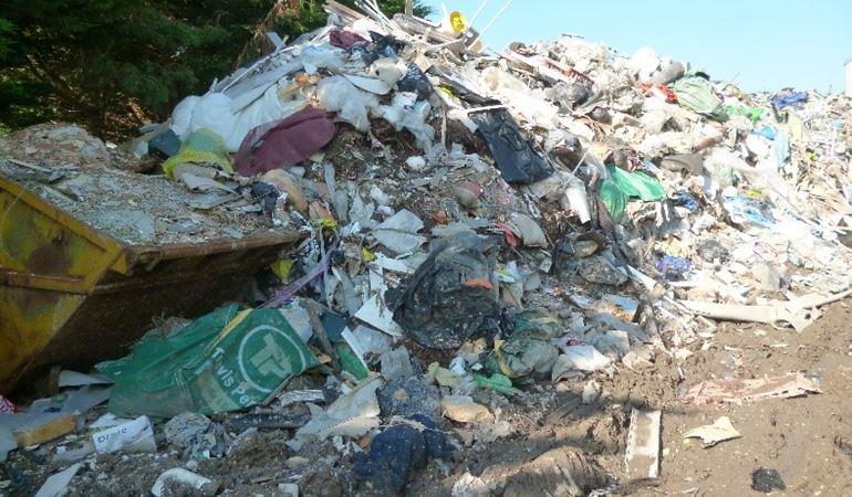 A skip and rubbish