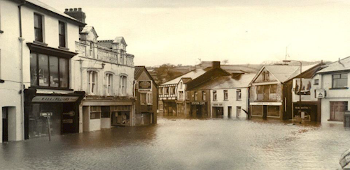 Photo of Pontarddulais town centre in 1979 affected by flooding