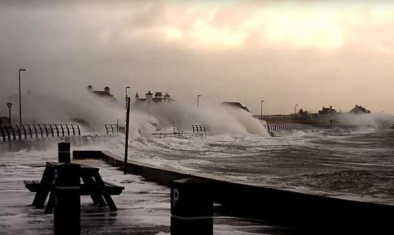 Storm ar Bae Treaddur